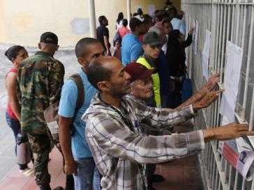 Am Sonntag, den 30. August wurde in Venezuela eine verfassungsgebende Versammlung gewählt. Vor den Wahllokalen waren wie üblich Listen mit den Namen der dort Wahlberechtigten angebracht