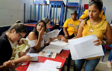 12,8 Millionen Wahlberechtigte waren am Sonntag in Ecuador aufgerufen, einen neuen Präsidenten und Parlamentsabgeordnete zu wählen