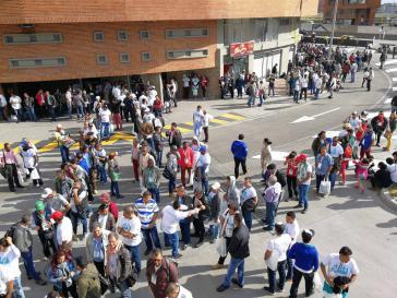 Rund 1.200 Delegierte der ehemaligen Guerillaorganisation Revolutionäre Streitkräfte Kolumbiens (Farc), darunter 500 Frauen, nahmen am Kongress zur Parteigründung teil