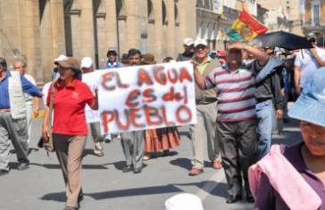 """""""Das Wasser gehört den Volk"""" – Protest in Bolivien"""