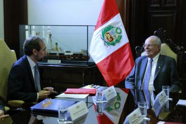 Zeid Raad Al Hussein, Hoher Kommissar für Menschenrechte der Vereinten Nationen, im Gespräch mit dem Präsidenten von Peru Pedro Pablo Kuczynski