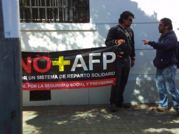 Protest gegen privates Rentensystem
