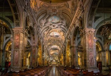 Kirchenschiff der Catedral Metropolitana de Santiago, Sitz des Erzbistums Santiago, das im Zentrum der Ermittlungen wegen Kindesmissbrauch steht