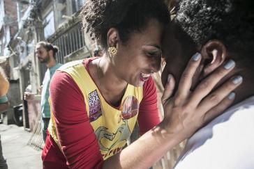 Das politische Engagement von Marielle Franco in benachteiligten Gegenden Brasiliens wurde zur Gefahr für paramilitärische Milizen
