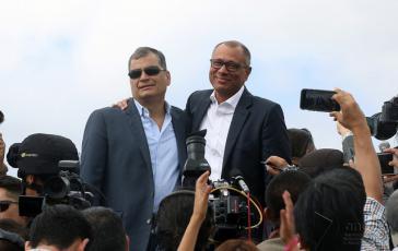 Während gegen den ehemaligen Präsidenten von Ecuador, Rafael Correa, Anklage erhoben wurde, ist sein damaliger Vize, Jorge Glas, nach einem Krankenhausaufenthalt zurück im Gefängnis