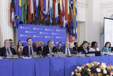 Bei der Abschlusssittzung der OAS am 5. Juni in Washington. Am Mikrophon Generalsekretär Luis Almagro