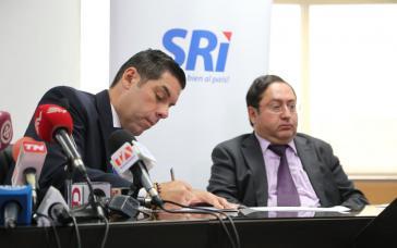 Der Minister für Arbeit von Ecuador, Raúl  Ledesma (links) mit Wirtschafts-und Finanzminister Carlos de la Torre