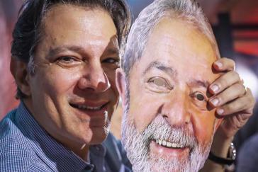 Fernando Haddad, der PT-Kandidat für die Präsidentschaftswahlen, mit Lula-Maske