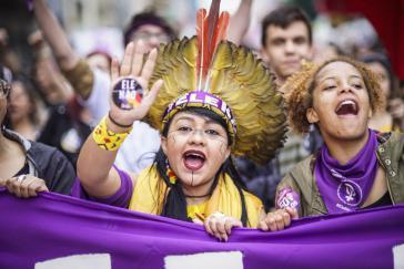 """""""Ele Não"""" (Er nicht): Frauendemonstration gegen den ultrarechten Kandidaten Jair Bolsonaro in São Paulo"""