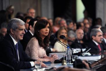 Die ehemalige argentinische Präsidentin Cristina Fernández de Kirchner muss sich weiterhin gegenüber der Justiz verantworten, auch wenn es nach wie vor an stichhaltigen Beweisen fehlt