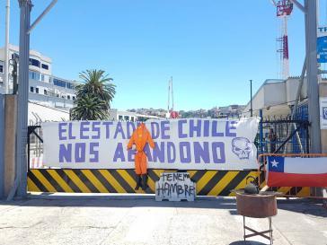 """Hafenarbeiter im chilenischen Valparaíso im Streik. """"Der chilenische Staat lässt uns im Stich. Wir haben Hunger"""""""