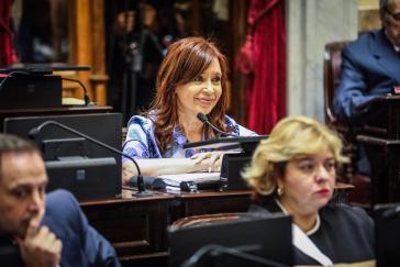 Die Ex-Präsidentin von Argentinien, Cristina Kirchner, hier im Senat, geht selbstbewusst mit den gegen sie erhobenen Vorwürfen um