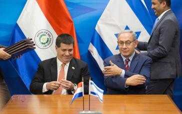 Der scheidende Präsident Paraguays, Horacio Cartes, und der israelische Präsident Benjamin Netanjahu