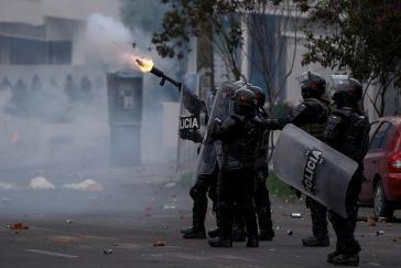 Die Polizei begegnet den Protesten der Studenten für eine Erhöhung des Bildungsetats mit zunehmender Härte