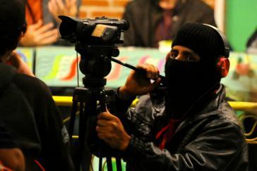 Medienaffine Guerilla: EZLN-Vertreter filmt beim Kongress in Mexiko