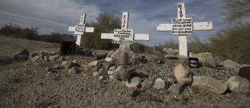 Kreuze in einer Wüste