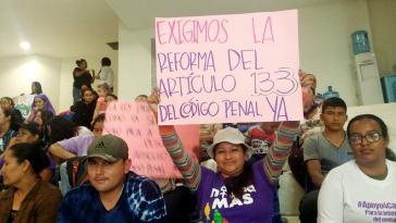 """""""Wir fordern die Reform des Artikel 133 JETZT"""": In El Salvador wird seit langem die Entkriminalisierung der Abtreibung gefordert"""