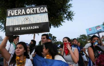 Eine Gruppe von Demonstranten in Nicaragua fordert den Rücktritt von Präsident Ortega