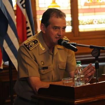 Gegen den Oberkommandierenden der Streitkräfte Uruguays, General Guido Manini Rios, hat Präsident Vázquez 30 Tage Arrest verhängt