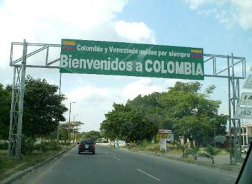 An einem der zahlreichen Grenzübergänge zwischen Venezuela und Kolumbien