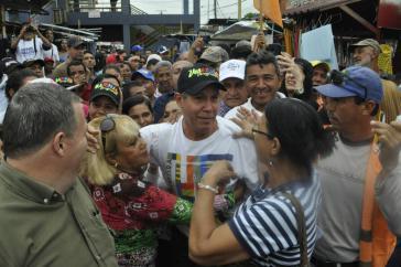 Oppositionskandidat Henri Falcón ist seit Wochen unterwegs beim Straßenwahlkampf