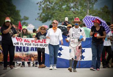 In Honduras reißen die Proteste gegen die Autobahngebühr nicht ab. Mehrere hundert Lastwagenfahrer blockierten die Hauptverbindungsstraße zwischen dem Norden und Süden des Landes