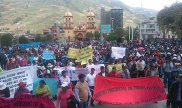 Kundgebung während des Streiks in Huancavelica, Peru