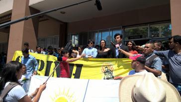 Mitglieder von Copinh und des Anwaltteams der Familie Cáceres in einer Presseerklärung im Anschluss an die Demonstration