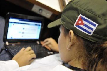 In Kuba haben sich mehr als 5,3 Millionen Nutzer beim Internetversorger registriert und 27 Millionen Zugangskarten zum Preis von einem CUC pro Stunde wurden verkauft