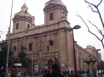 Die katholische Kirche ist auch in Chile eine mächtige Institution. Im Bild Santo Domingo in der Hauptstadt des Landes