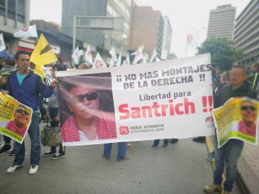 In Kolumbien fordern Demonstranten die Freilassung des Farc-Politikers Jesús Santrich