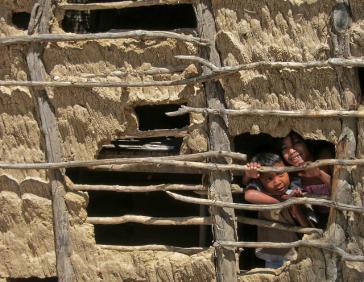 Indigene Kinder in La Guajira in Kolumbien sterben an Hunger. In dem Departamento ist der größte Steinkohletagebau Lateinamerikas