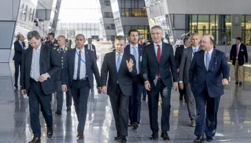 """""""Wir teilen gemeinsame Werte und Interessen"""": Nato-Generalsekretär Stoltenberg und Kolumbiens Präsident Santos am Donnerstag in Brüssel"""