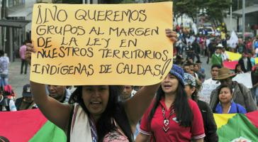Indigene in Kolumbien demonstrieren gegen Gewalt bewaffneter Gruppen