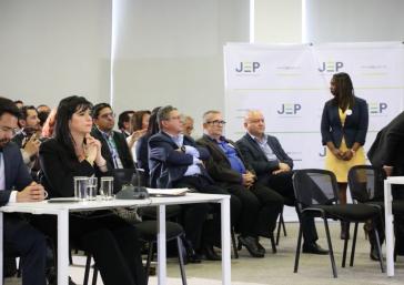 Während der ersten Sitzung der Sondergerichtsbarkeit für den Frieden in Kolumbien