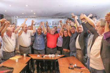 Bekommt vor der Urteilsverkündung viel Unterstützung: Lula da Silva bei einem Treffen mit Vertretern der größten Gewerkschaften von Brasilien am Montag