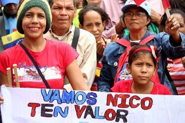 """Zuspruch und Aufforderung an Präsident Nicolás Maduro: """"Komm schon, Nico, hab Mut"""". Bei der Demonstration am 1. Mai in Caracas, Venezuela"""