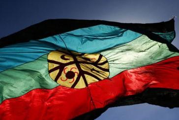 Die Flagge der Mapuche in Chile