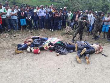 Die Anwohner haben die Körper der Ermordeten im Cauca, Kolumbien, gefunden