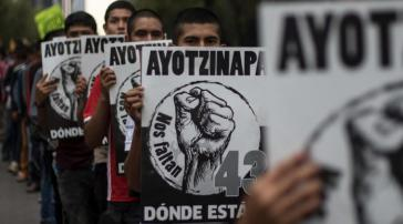 Forderung an die neue Regierung in Mexiko: die Suche nach den 43 verschwundenen Lehramtsstudenten aus Ayotzinapa