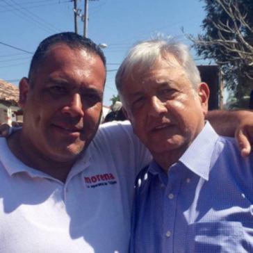 Der ermordete Journalist Jesús Alejandro Márquez Jiménez, hier mit Mexikos Präsident  Andrés Manuel López Obrador