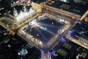 """Zehntausende feierten den Wahlsieg Amlos auf dem """"Zócalo"""",  dem zentralen Platz von Mexiko-Stadt"""