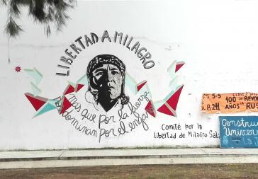"""Protestgraffito in La Plata, Argentinien: """"Freiheit für Milagro. Mehr noch als durch Stärke, beherrschen sie uns durch Betrug"""""""