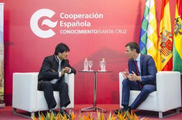 Der spanische Ministerpräsident Pedro Sánchez kam bei seiner Reise durch Lateinamerika in La Paz mit dem bolivianischen Präsidenten Evo Morales zusammen