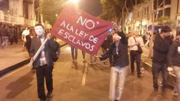 """""""Nein zum Sklavengesetz"""": Proteste in Perus Hauptstadt Lima gegen das Gesetzesprojekt zur Jugendarbeit"""