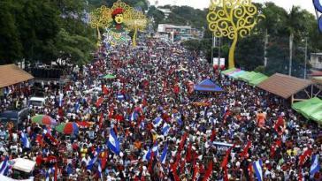 """In Nicaragua nahmen tausende Menschen landesweit an Aktionen """"für den Frieden und gegen die Gewalt"""" teil"""