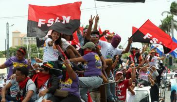"""Tausende beteiligten sich am Gedenkmarsch """"El Repligue"""", zu dem die FSLN aufgerufen hatte"""