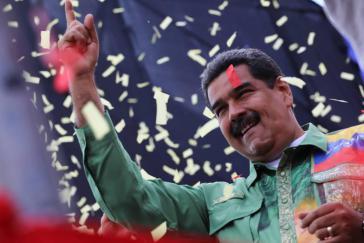 """Präsident Maduro nach seinem Wahlsieg. Seine Regierung muss  """"explosive Knoten"""" in Wirtschaft und Politik lösen"""