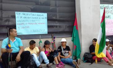 Mahnwache vor der Staatsanwaltschaft in Cali am Tag der Anhörung