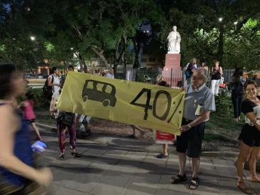 Nach der Ankündigung starker Preiserhöhung für Transport, Gas, Strom und Wasser für das kommende Jahr kam es in Argentinien zu spontanen Protesten